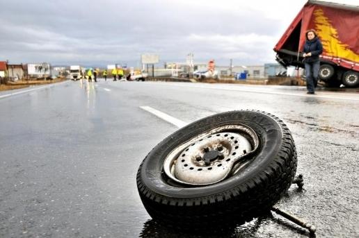 Cluj.+Trafic+oprit+pe+DN1%2C+la+Poieni%2C+din+cauza+unui+accident_500158